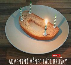 This ia an advent wreath of Vladimir Hruska - a Czech TV advisor from how to do it ? In Czech Republic live the most atheists in relative comparison in Europe . Jokes Quotes, Memes, Ode To Joy, Advent Wreath, Joy And Happiness, Funny Photos, Funny Jokes, Haha, Funny People