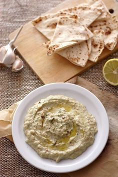 Le caviar d'aubergine : un classique pour les apéro ou les pique-niques ! Réalisez cette recette méditerranéenne vous-même avec cette recette simplissime !