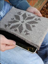 "Kindle and iPad Covers - Free crochet Pdf pattern by Phyllis Serbes. Sizes: Kindle: 7½"" tall x 9½"" wide; iPad: 7½"" tall x 5"" wide. In worsted weight yarn and 3.75mm hook."