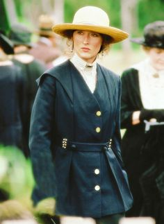 Meryl Streep - 'Out of Africa'. Another stunning outfit AND I've been looking for that hat since the movie came out, seriously LOL