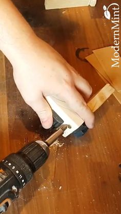 Woodworking Projects Diy, Wood Projects, Cool Gadgets To Buy, Diy Home Repair, Garage Tools, Work Tools, Carving Tools, Cool Inventions, Home Repairs