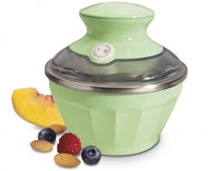 With the Hamilton Beach 68660 Half Pint Soft Serve Ice Cream Maker - Green , you never have to wait for fresh, homemade ice cream. Rocky Road Eis, Rocky Road Ice Cream, Make Ice Cream, Ice Cream Maker, Homemade Ice Cream, Homemade Chocolate Chips, Chocolate Chip Ice Cream, Raspberry Ice Cream, Vanilla Ice Cream