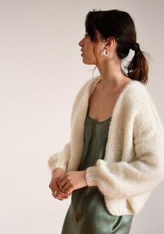 Mohair Bomber Cardigan Off White Hand Knit Chunky Knit Knit Cardigan Pattern, Chunky Knit Cardigan, Cropped Cardigan, White Cardigan, Gros Pull Mohair, Collection Capsule, Knitted Headband, Braid Headband, Winter Hats For Women