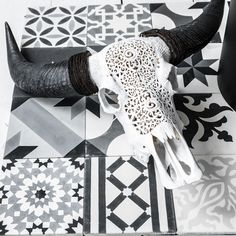 http://kauppa.zocohome.fi/product/687/laattakokoelma-musta-harmaa-valko