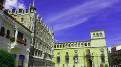 La Casa Botines y el Palacio de los Guzmanes en #leonep #spain
