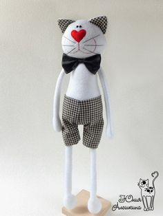 Formal cat - love it!The lovable Cat Stuffed Animal Patterns, Stuffed Animals, Fabric Animals, Fabric Toys, Cute Pillows, Cat Doll, Cat Crafts, Sewing Toys, Felt Toys