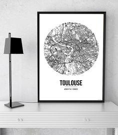 L'affiche City Map Toulouse Street Map est une création originale de Artmap Design©. ✓ Impression sur papier 200g/m2 blanc. #deco #art #poster Plan Ville, Fika, City Maps, Birthday Wishlist, Decoration, Street Art, Wall Art, Toulouse France, Artist