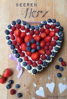 Zitrus-Mandel-Herz mit Beeren!*
