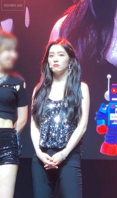 190213 RedMare in Miami Red Velvet アイリーン, Red Velvet Irene, South Korean Girls, Korean Girl Groups, Korean Bands, Seulgi, Kpop Girls, My Girl, Coral