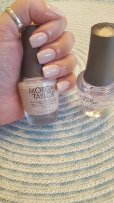 My nails done,  mis uñas terminadas, con Morgan Taylor, nail Polish