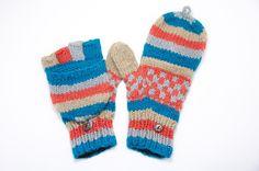 ▲天氣冷的季節,需要溫暖的陽光撒下,一雙保暖的手套是必要的,怕你著涼,讓他好好照顧你吧!  http://i1382.photobucket.com/albums/ah263/betweensummer/Gloves/_DSC0556_zpshazyapye.jpg ▲色彩獨特的馬賽克圖紋  htt...