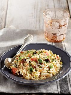 kritharoto-nikolaou-1010528 Rice Pasta, Greek Recipes, No Cook Meals, Risotto, Macaroni And Cheese, Menu, Greek Beauty, Ethnic Recipes, Cooking Food