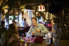 Het gezellige á la carte restaurant in hartje Preston Palace!  Laat u smakelijk verrassen door de tongstrelende gerechten die met zorg worden bereid door onze chefs.