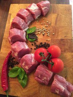 Bouillabaissea ja Kalasoppaa Steaks, Sushi, Sausage, Meat, Ethnic Recipes, Food, Minute Steaks, Sausages, Essen