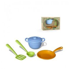 Green Toys Chef Set - 5 Piece Set  Reducing fossil fuel use and CO2 emissions is part of the recipe for aspiring gourmets who use the Green Toys Chef Set.