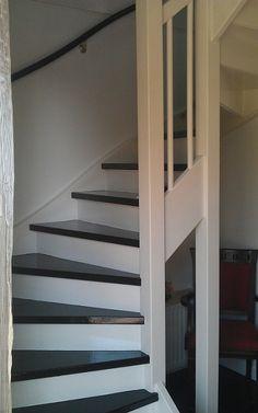 Upstairs traprenovatie biedt diverse oplossingen voor de renovatie van open geslote houten - Idee schilderij kooi trap ...