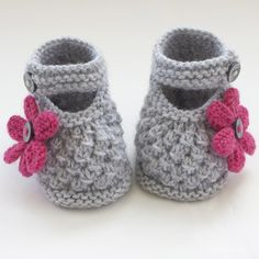New Hand Knitted Baby Shoes Booties Folksy Baby Booties Knitting Pattern Baby Knitting Patterns, Baby Booties Knitting Pattern, Knitted Baby Clothes, Crochet Baby Shoes, Crochet Baby Booties, Hand Knitting, Knitted Bags, Baby Bootees, Pull Bebe