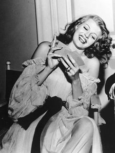 Rita Hayworth on the set of Gilda, 1945 Post with 159 views. Rita Hayworth on the set of Gilda, 1945 Hollywood Icons, Old Hollywood Glamour, Golden Age Of Hollywood, Vintage Hollywood, Hollywood Stars, Hollywood Actresses, Classic Hollywood, Actors & Actresses, Veronica Lake