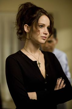"""Jennifer Lawrence in """"Silver Linings Playbook"""". We just loved both Jennifer Lawrence's and Bradley Cooper's performance in the movie Silver Linings Playbook! Pelo Jennifer Lawrence, Jennifer Lawrence Movies, Jennifer Lawrence Hunger Games, Andrew Lawrence, Happiness Therapy, Silver Linings, Jessica Chastain, Hair Transformation, Shows"""