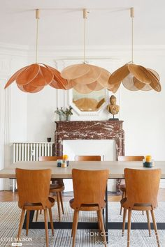 Eating room decor inspirations for a contemporary and stylish room Home Design, Interior Design, Design Design, Design Ideas, Rooms Decoration, Parisian Apartment, Dining Room Inspiration, Lamp Inspiration, Home And Deco