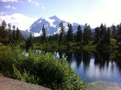 Mt. Baker from Picture Lake Photo by Liz Anema www.cascadeloop.com