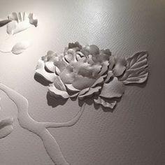 Ôtsuki Sama, le blog: Helen Amy Murray et Anne Sophie Pic : une expérience purement féminine Anne Sophie Pic, Art Plastique, Leather Design, Fabric Art, Paper Art, Pattern Design, Sculptures, Design Inspiration, Concept