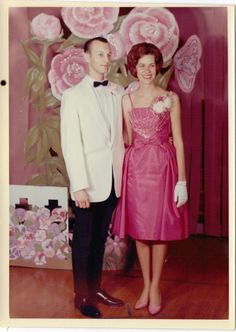 Pinner writes: Junior Prom MAY 1962 with Randy Brown Vintage Dance, Vintage Prom, Vintage Gowns, Vintage Outfits, Vintage Fashion, Prom Photos, Prom Pictures, Prom Queens, Prom Night