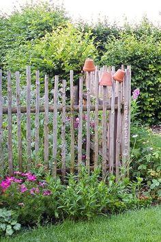 Geniesser-Garten : Gartenzaun this out of sticks for the front flower bed