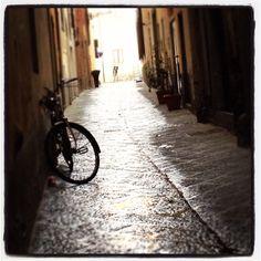 Pistoia, ore 7:00 del mattino. La mia città dorme ancora. Italia, Toscana!