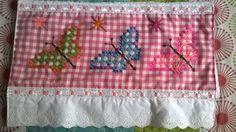 Estas bellezas son realizadas por mi madre y mi tía que tienen unas manos maravillosas, son toallas de cortesía ...