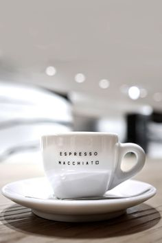 avenuesofinspiration:  Espresso  Macchiato | Photographer  | AOI Loved by Mrs. Fabulous-Jones