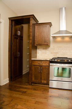 Hidden Pantry Dining Rooms, Kitchen Dining, Kitchen Cabinets, Hidden Pantry, Kitchens, Home Decor, Kitchen Dining Living, Dinner Room, Kitchen