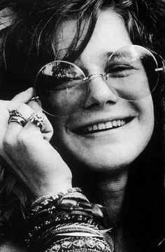 Round: Janis Joplin for the ladies John Lennon for the guys. The Swingin Sixties truly secured the round shape of eyewear on the style map. Janis Joplin, Kinds Of Music, Music Is Life, The Fevers, Jimi Hendricks, Acid Rock, New Wave, Hippie Man, Joe Cocker