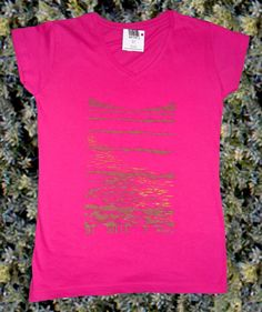 """""""Sea in pink"""" t shirt is unique, painted by hand in a moment of inspiration. Special cloth paintings are used on this t shirt and colors are shinning. I suggest hand wash."""