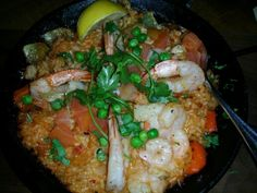 Spanish Paella 스페인 빠에야 (seu-pae-in-bba-ye-ya)  www.mylanguageconnect.com Spanish Paella, Korean Food, Culture, Meat, Chicken, Travel, Beef, Voyage, Korean Cuisine