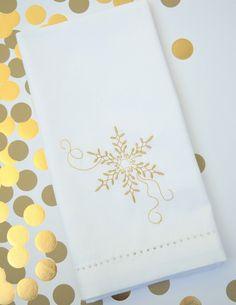 SALE Snowflake Cloth Napkins - Set of 4 napkins – White Tulip Embroidery