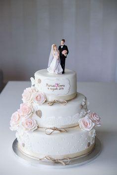 Wedding Cake Roses, Wedding Cake Rustic, Elegant Wedding Cakes, Beautiful Wedding Cakes, Wedding Cake Designs, Beautiful Cakes, Wedding Topper, Engagement Cake Design, Engagement Cakes