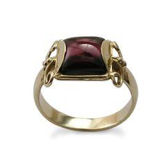 Verlobungsringe - square Granat und 14K Gelbgold Ring - ein Designerstück von artisaneffect bei DaWanda