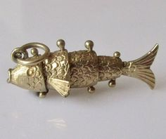 9ct Gold Articulated Fish Charm or Pendant