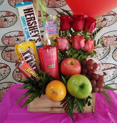 Diy Food Gifts, Creative Gifts, Homemade Gifts, Diy Bouquet, Candy Bouquet, Chocolate Bouquet Diy, Personalised Gifts Diy, Food Gift Baskets, Edible Bouquets