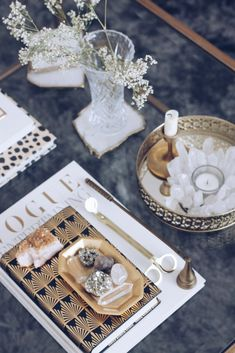 Why you need crystals on your coffee table asap (The Decorista) Coffee Table Styling, Cool Coffee Tables, Round Coffee Table, Coffee Table Books, Decorating Coffee Tables, Coffee Table Candle Decor, Fixer Upper Style, Feng Shui Basics, Great Conversation Starters
