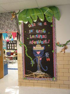 jungle theme classroom | Love the cat!