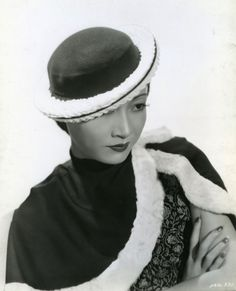 softfilm:  Anna May Wong 黃柳霜 Publicity photo for Limehouse Blues...