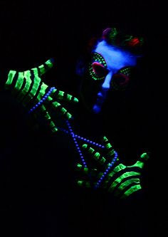 Art Body Paint Black Light