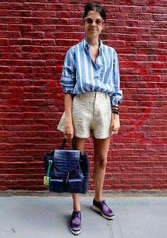 Visual mais preppy com shortinho comprido e camisa em alfaiataria e um lindo sapato