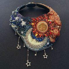 Beaded embroidery jewelry Beaded embroidery jewelry Source by . Seed Bead Jewelry, Jewelry Art, Seed Beads, Beaded Jewelry, Handmade Jewelry, Jewelry Ideas, Handmade Wire, Jewlery, Beaded Earrings