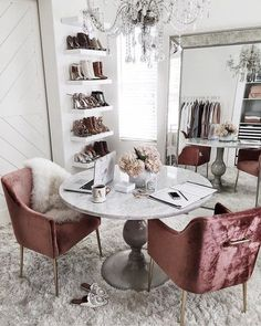Home decor tips - Interior Vibes ⚡️ Decorating your room Check out our Ultimate Vanity Mirror Beautiful, elegant, bright Back in stock soon Home Office Design, Home Office Decor, House Design, Office Desk, Office Designs, Office Chairs, Apartment Office, Apartment Entryway, Apartment Ideas