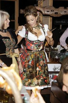 Oktoberfest - love the outfit