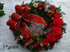 一足早く、クリスマスリースを制作しました♪プリザーブド加工されたヒムロスギは2色を使用し、よりナチュラルです♪ローズはベルベットのような質感の鮮やかなレッド、...|ハンドメイド、手作り、手仕事品の通販・販売・購入ならCreema。
