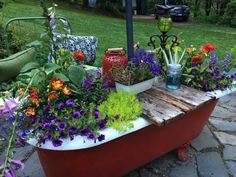 There are many reasons for growing plants in garden containers, flower pots and planters. Garden Bathtub, Old Bathtub, Garden Pond, Garden Planters, Garden Art, Bathtub Ideas, Outdoor Tub, Outdoor Gardens, Garden Tub Decorating